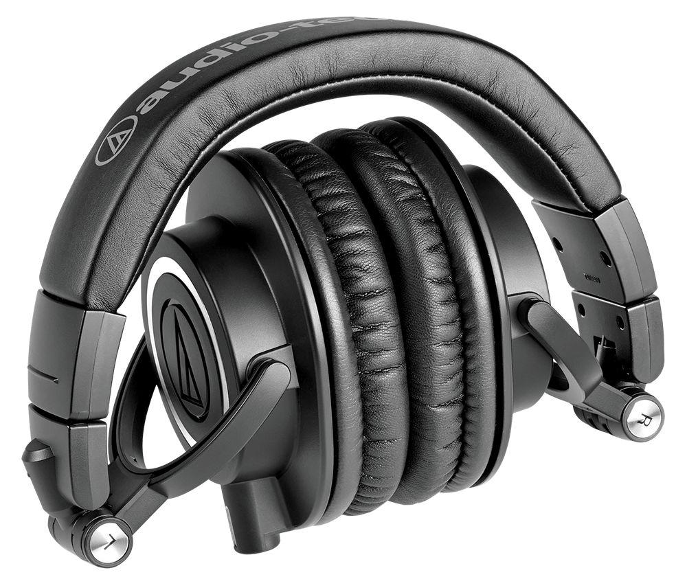 Manche Kopfhörer lassen sich für den Transport zusammenklappen wie der ATH M50X